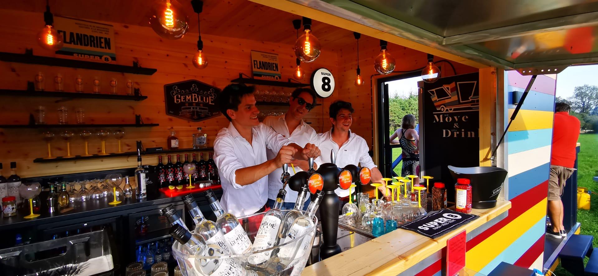 move and drink - bar - itinérant - foodtruck - truck - tiny - tinyhouse - tinyhome - homebar - party - tinybar - event - sur mesure - horeca - professionnel - boisson - cocktail - cocktails - expérience
